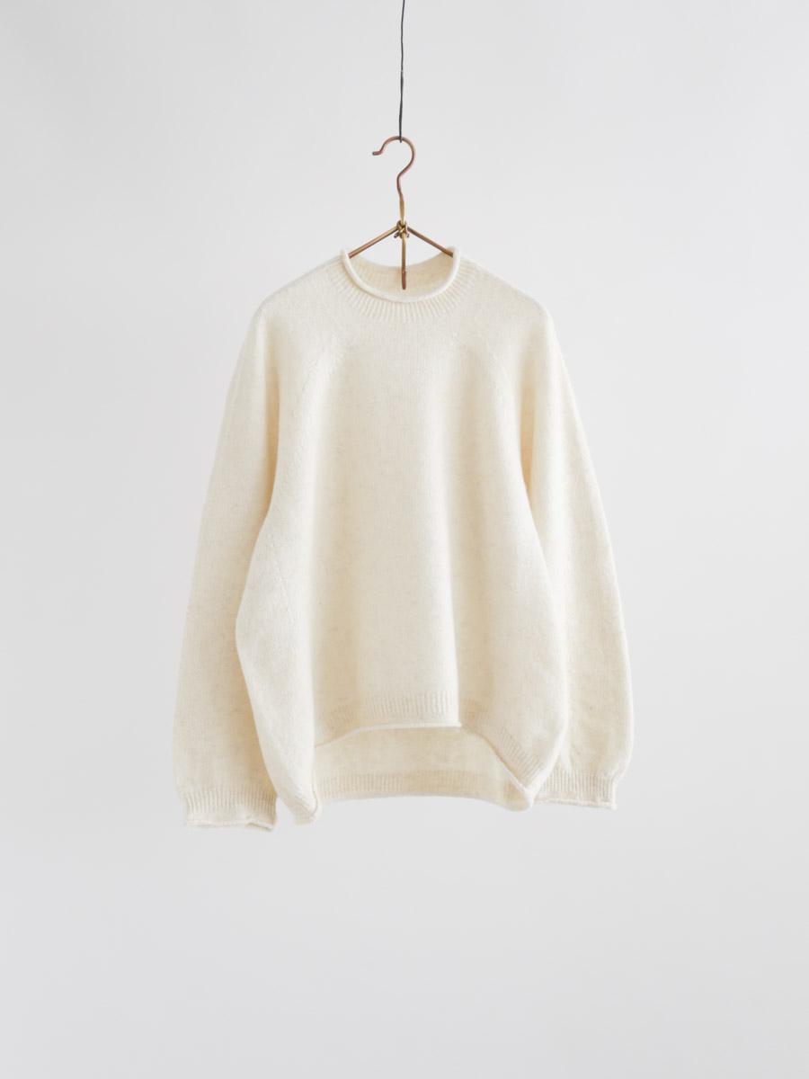 モンゴリアンウールカーブセーター